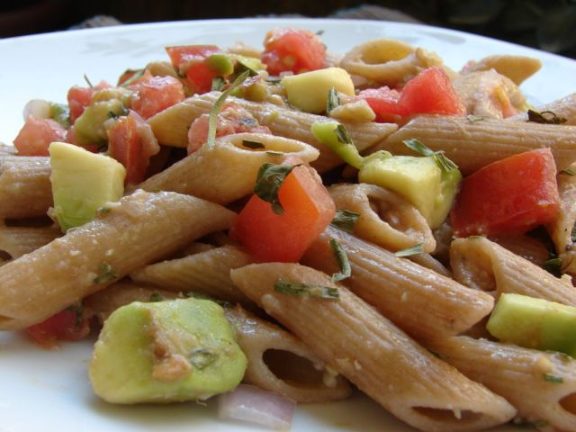 avocado-pasta-salad