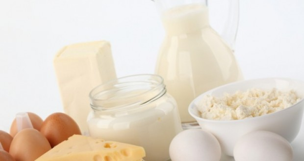 dairy-products--whisks--jar--egg_3333800
